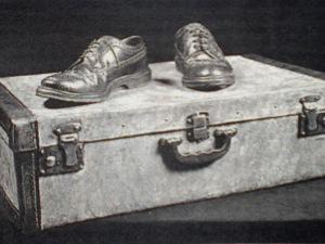 Maleta y zapatos
